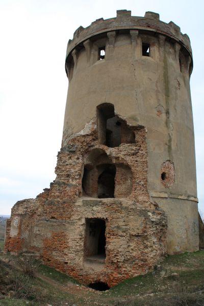 Cetatea Ardud - Turn sud-vest